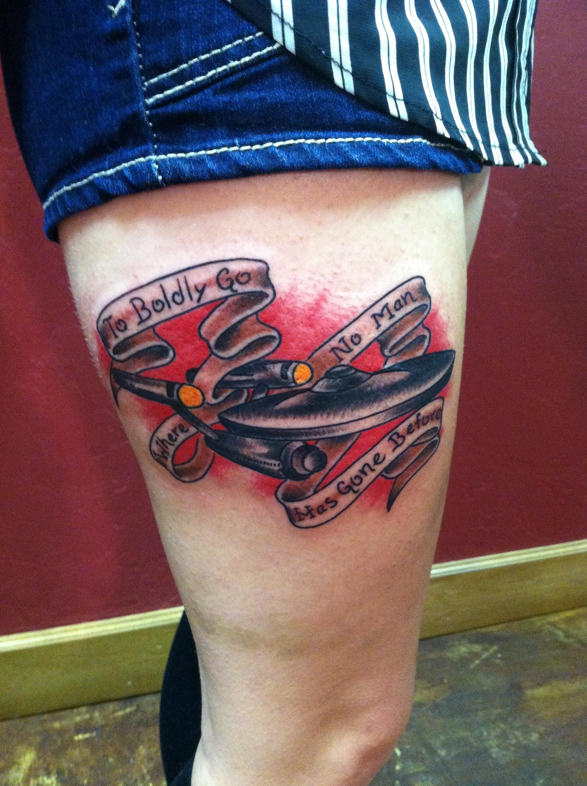 custom_traditional_star_trek_uss_starship_enterprise_leg_tattoo_by_david_meek_tattoos_tucson_arizona