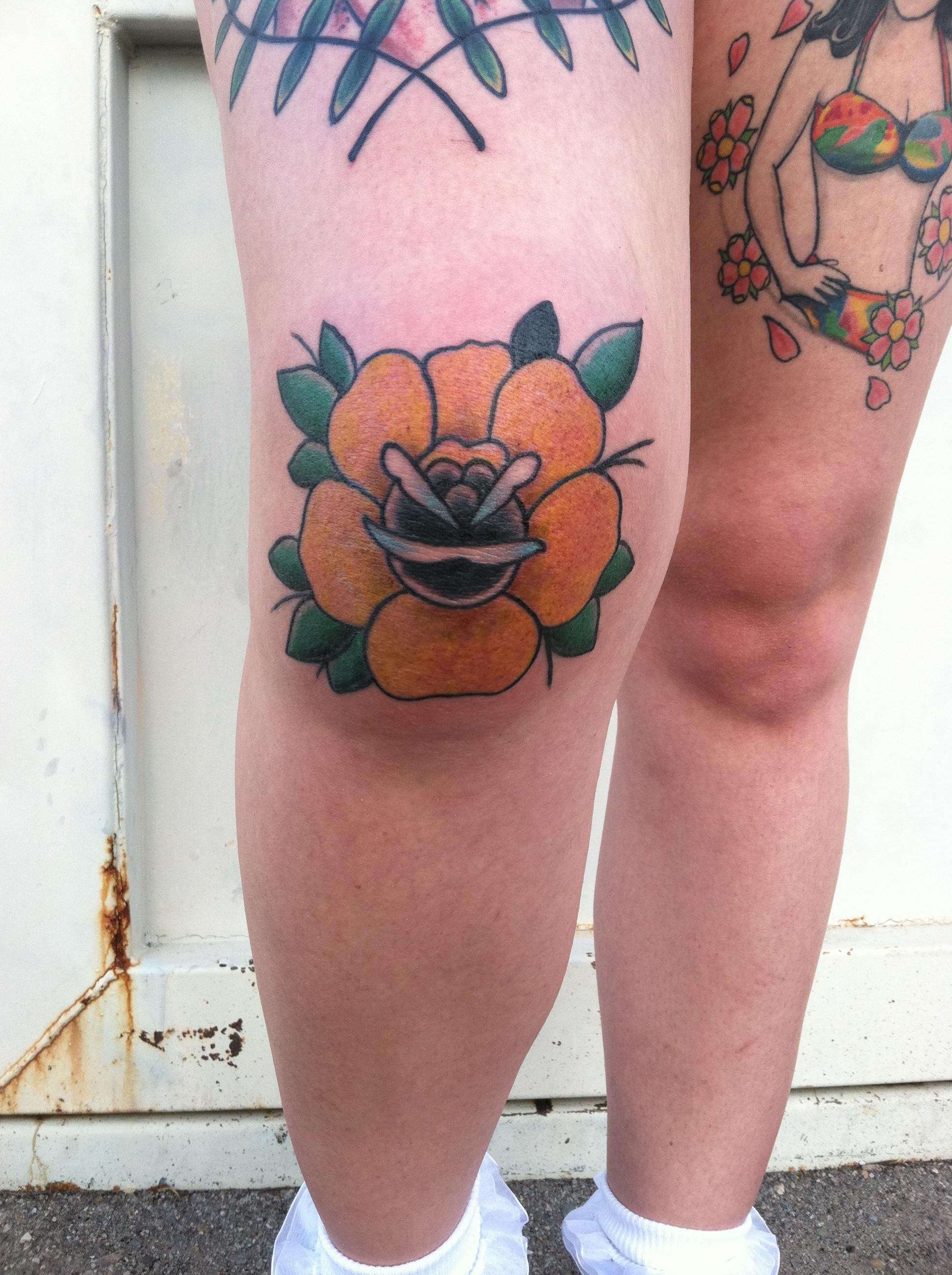 0c10813cfd9f5 Traditional Rose Knee Tattoo, yellow Rose, David Meek Tattoos, Tucson  Tattoo Artist,